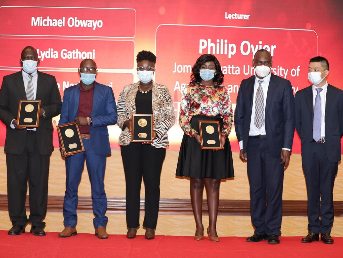 Kenyan students win awards in the Global Huawei ICT Competition